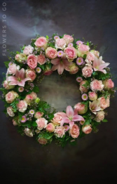Sweet Wreath Memories Standing Wreath