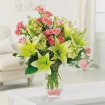 Sweetest Day Memories EV57-11 Fresh Vased Arrangement