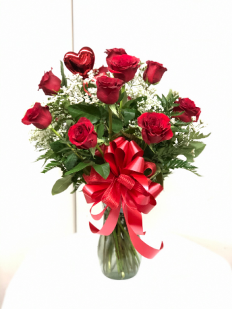 Sweetest Dozen Red Roses Red Rose Arrangement