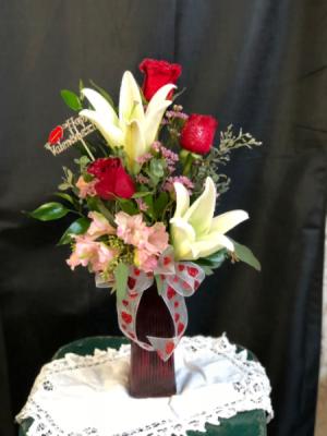 Sweetheart  Bouguet Vase arrangement in Huntington, TX   LIZA'S GARDEN