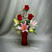 SWEETHEART BOUQUET VASE ARRANGEMENT