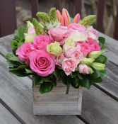 Sweetheart Dutch flower Box Bouquet Fresh Flowers