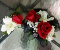 Sweetheart Rose & Dendro Standard Boxset Corsage