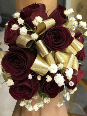 SWEETHEART ROSE WRIST CORSAGE HOMECOMING CORSAGE in Parma, OH | The Parma Flower Shop