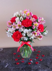 Sweetheart Vase Exclusively at Mom & Pops