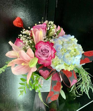 Sweethearts Bouquet Cube vase