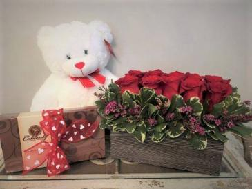 Sweetheart's Bundle PFD21V210  Candy, Roses and Teddy Bear