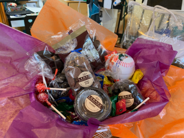 Sweets Basket Gift