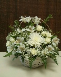 Simply White  in Vernon, BC | SIMPLY BASKETS AND HARRIS FLOWERS