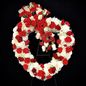 Sympathy Heart Red & White Easel in Plainview, TX | Kan Del's Floral, Candles & Gifts