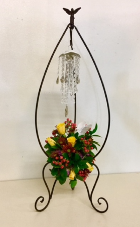Sympathy Wind Chime/Stand Floral Beautiful Crystal Drop Wind Chimes in Plainview, TX | Kan Del's Floral, Candles & Gifts