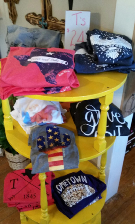 T-shirts  in Cross Plains, TX | Patsy's Flowers and Gifts