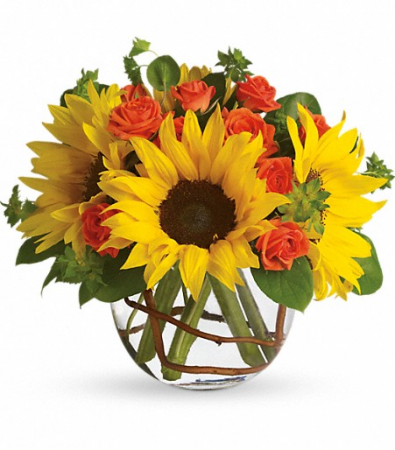 T152-2B Sunny Sunflowers DX Vase Arrangement