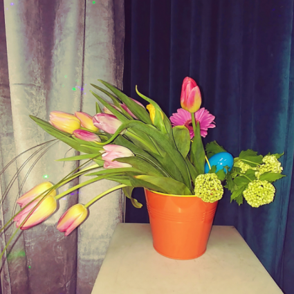 Ta-lu-la  Vase Arrangment