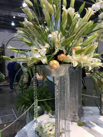 TABLE  FLORAL DISPLAY