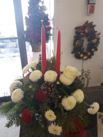 Tablecenter with White Poms and Roses SOLD OUT
