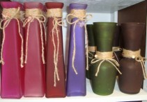 Tall vases we can fill with 3 roses and filler!