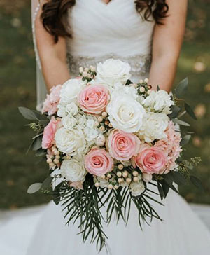 Tastefully Timeless Bouquet in Hartshorne, OK | Bar-B Flowers & Gifts