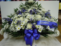 TB9 WHITE AND BLUE TRADITIONAL SYMPATHY SPRAY