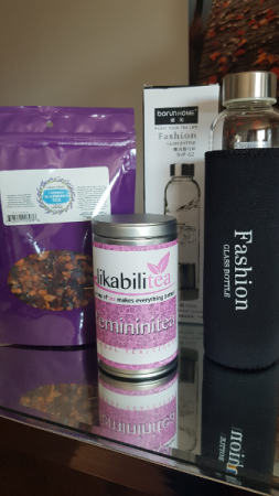 THE FASHIONISTA Tea and glass bottle infuser