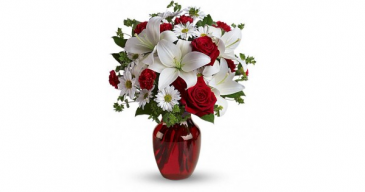 Telaflora Be My Love Bouquet Vase Arrangment