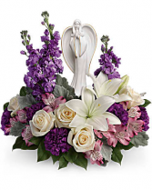 Telaflora's Beautiful Heart Bouquet Fresh Arrangement with a Teleflora Keepsake
