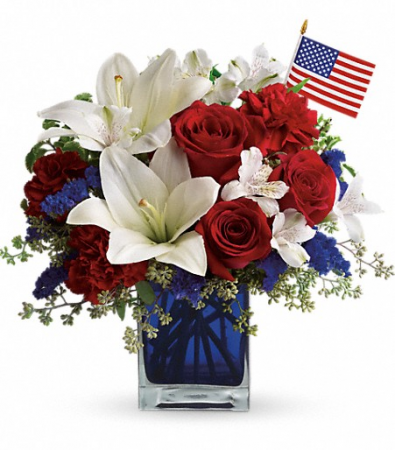 Teleflora's America the Beautiful Fresh Vase