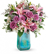 Teleflora's Art Glass Treasure Fresh Flowers in a Keepsake Vase in Auburndale, Florida | The House of Flowers