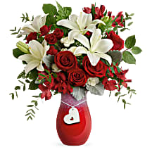 Teleflora's Charming Heart Bouquet