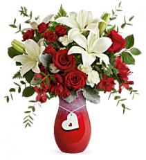 Teleflora's Charming Heart T21V105B Bouquet