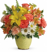 Teleflora's Clear Morning T18E305B Bouquet