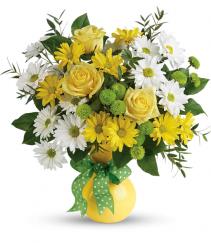 Teleflora's Daisies And Dots Bouquet Teleflora