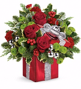 Teleflora's Gift Wrapped Bouquet Christmas in Valley City, OH | HILL HAVEN FLORIST & GREENHOUSE