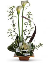 Teleflora's Grand Gesture Bouquet Vase Arrangement