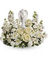 Teleflora's Guiding Light Bouquet Sympathy arrangement