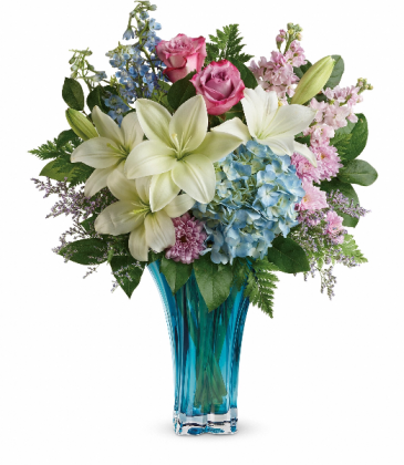 Teleflora's Heart's Pirouette Bouquet Beautiful Glass Vase With Fresh Flowers