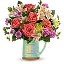 Teleflora's Pour on the Beauty Bouquet DX T21E200