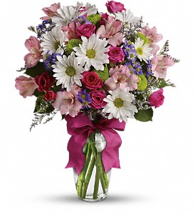 Teleflora S Pretty Please Bouquet Fresh Flowers In Auburndale Fl The House Of Flowers