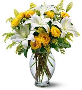 Teleflora's Pure Inspiration Bouquet  Fresh Arrangement