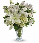 Teleflora's Purest Love Fresh Flowers