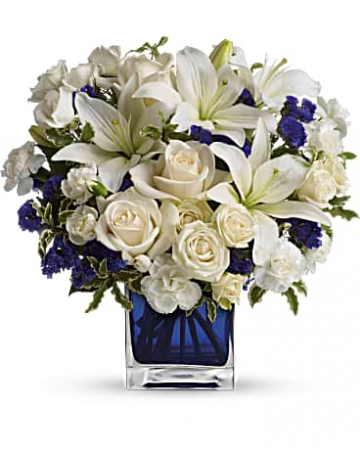 Teleflora's Sapphire Skies Bouquet Vase