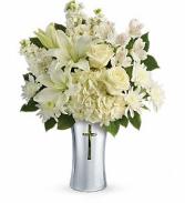Teleflora's Shining Spirit T277-1B Bouquet