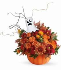 Teleflora's Spooky Surprise Halloween Arrangement
