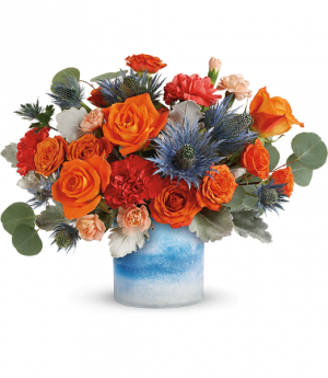 Teleflora's Standout Chic TEV57-6B Bouquet in Moses Lake, WA | FLORAL OCCASIONS