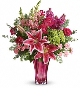 Teleflora's Steal The Spotlight T601-8B Bouquet