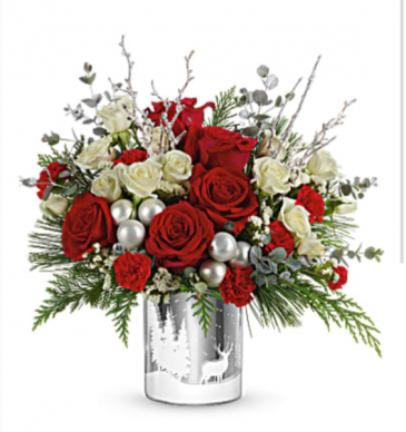 Telelflora's Wintry Wishes Bouquet