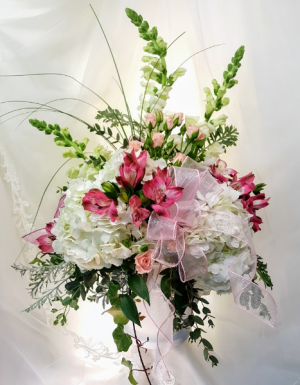 Tender Thoughts MD18-1  * Local Delivery Only ** in Hesperia, CA | ACACIA'S COUNTRY FLORIST