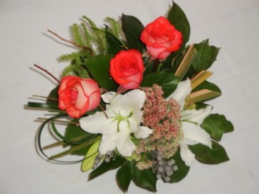 TERA E SOL -   Fresh Floral Flower Designs, Welcome To Your New Home Flowers Prince George BC, Welcome Home Flowers