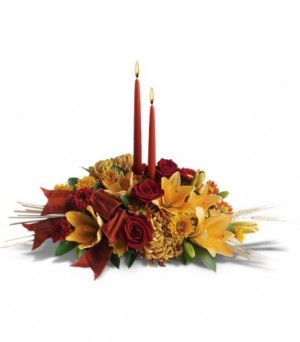 Amber Holiday Glow Holiday Centerpiece in Bethel, CT | BETHEL FLOWER MARKET OF STONY HILL
