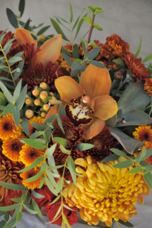 Thanksgiving Centerpiece Designer Choice in Chatham, NJ | SUNNYWOODS FLORIST
